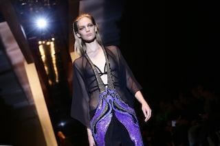 Gucci porta in passerella il nuovo glamour dal lato oscuro (FOTO)