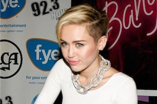 Copia il make up brillante di Miley Cyrus