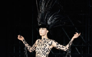 Louis Vuitton: in passerella l'addio dark di Marc Jacobs (FOTO)