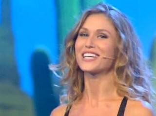 """Olga Kent, sensuale miniabito per la terza puntata di """"Colorado"""""""