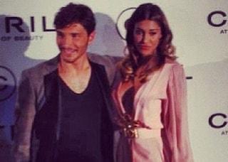 Belén Rodriguez, scollatura e spacco hot per la cena di Gala (FOTO)