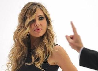 """Ilary Blasi, scollatura hot per la nona puntata de """"Le Iene"""" (FOTO)"""
