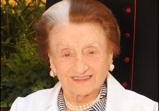 """Micol Fontana compie 100 anni, auguri alla """"rosa"""" della moda italiana"""