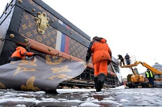 Multa di 220 euro per il maxi baule Louis Vuitton a Mosca