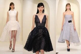Dior: sfila a Parigi l'haute couture rivoluzionaria di Raf Simons (VIDEO)