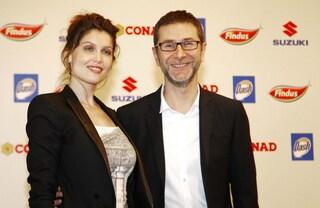 Laetitia Casta a Sanremo: look chic per la conferenza stampa (FOTO)