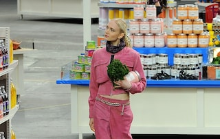 Chanel e il supermercato di lusso in passerella (FOTO)