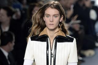"""Louis Vuitton: il debutto """"essenziale"""" di Nicolas Ghesquière"""