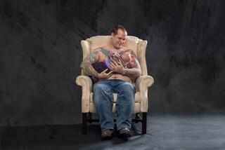 """""""Se potessi, lo farei"""": la campagna con uomini che allattano i propri figli (FOTO)"""