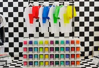 """Pantone apre il primo pop up store """"a colori"""" d'Europa (FOTO)"""