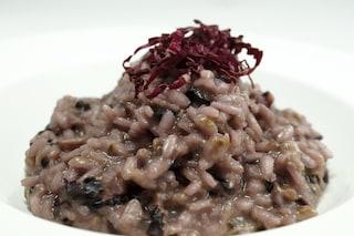 Risotto radicchio e provola: un piatto dai sapori forti che stuzzica l'appetito