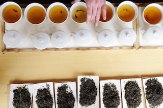 I tè detox che fanno bene al corpo: perdi peso, sgonfi e ritrovi le energie