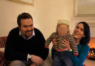 La commovente storia di Robert, il bimbo orfano di madre che ha dato una ragione per vivere al suo papà