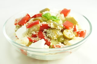 Couscous con peperoni e olive