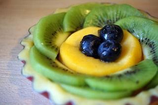 Mini crostatine alla frutta: la ricetta dei cestini dell'estate