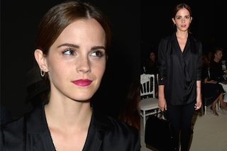 Emma Watson trasforma il look, l'attrice in versione dark a Parigi (VIDEO)