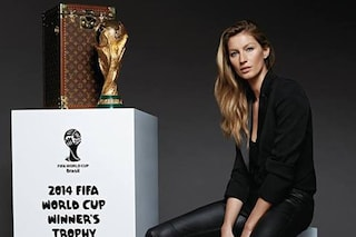 Mondiali 2014: Gisele consegnerà la Coppa del Mondo firmata Louis Vuitton (VIDEO)