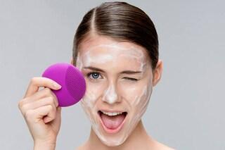 Non solo Clarisonic: ecco tutte le spazzole per pulire a fondo la pelle del viso (FOTO)