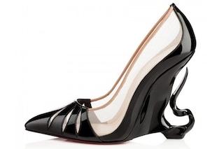"""Arrivano le scarpe """"malefiche"""" di Angelina Jolie e Christian Louboutin (FOTO)"""