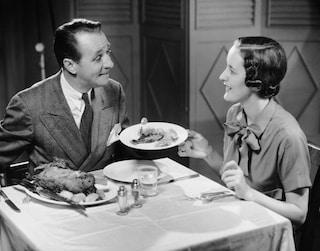 Dividere o non dividere: chi paga il conto al primo appuntamento?