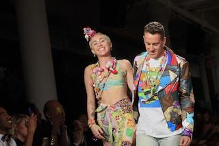 Miley Cyrus, si trasforma in modella per un giorno alla Fashion Week di New York (FOTO)