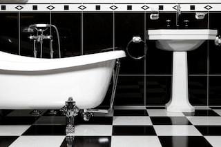5 cose pericolose da non fare in bagno