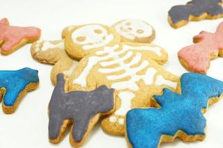 Biscotti glassati di Halloween: la ricetta facile con le idee più spaventose