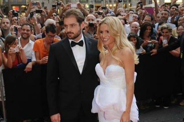 size 40 2c4a4 1c303 Abito da sposa di Michelle Hunziker: il vestito in bianco e rosa