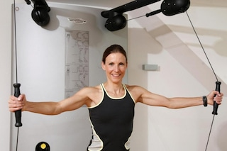 5 esercizi per tonificare braccia e spalle senza andare in palestra