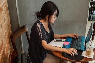 5 modi per perdere peso in ufficio stando seduti