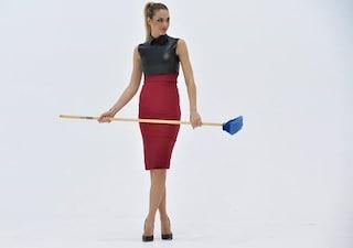 """Ilary Blasi: look con tacchi a spillo per """"Le Iene Show"""""""