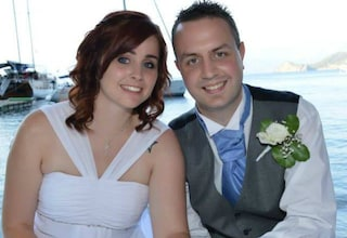 Un'intossicazione alimentare gli rovina il matrimonio: la tragedia di Kirsty e Carl