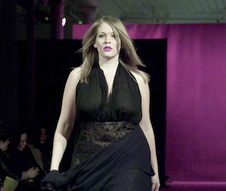 Addio alla taglia 38: le modelle curvy vendono di più