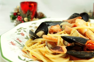 Spaghetti ai frutti di mare: la ricetta di un primo piatto molto amato