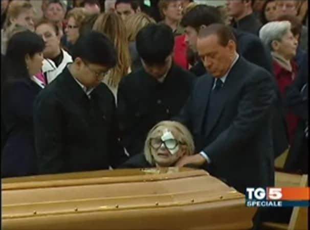 Silvio Berlusconi al funerale