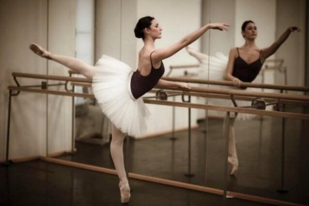 nuovo prodotto cc5b3 a9922 Giulia Pauselli e l'anoressia tra le ballerine della Scala