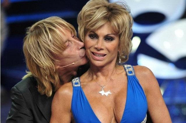 La showgirl e il compagno Enzo Paolo Turchi si preparano a diventare genitori. Carmen ha trascorso una gravidanza senza intoppi e non ha badato alle critiche, dalla sua parte c'è stata la Madonna