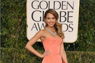 Jessica Alba esagera ai Golden Globe, ecco il look da 6 mln di dollari