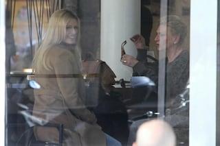 Michelle Hunziker a pranzo con mamma Ineke, confidenze sulla gravidanza?