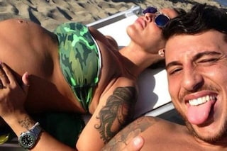 Guendalina Tavassi, in spiaggia col pancione in compagnia di Umberto D'Aponte