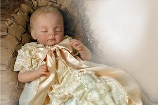 """Il Royal Baby diventa un bambolotto di porcellana: """"Ecco il Principe"""""""