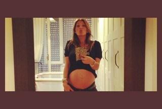 """La Tavassi stremata dalla gravidanza: """"Non gliela faccio più"""""""