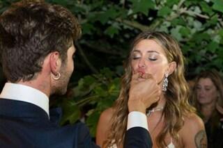 """Belén e Stefano sposi: le foto del matrimonio e della """"fiesta"""" sono su Facebook"""