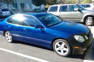 """La Lexus di Di Caprio finisce su eBay: """"Costa tanto perché c'è salita Gisele Bundchen"""""""