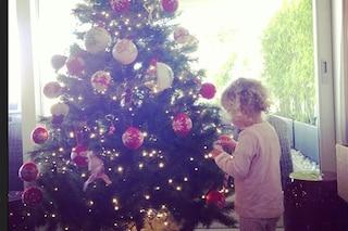 Natale in casa Marcuzzi con la piccola Mia (FOTO)