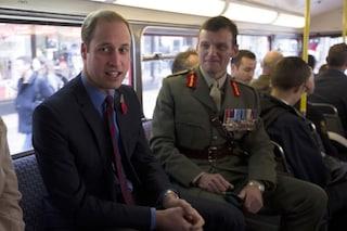Il principe William torna a studiare all'università e ci va in treno (VIDEO)
