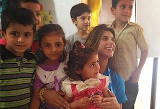 Elisabetta torna a sorridere dopo l'aborto grazie ai bambini libanesi (FOTO)