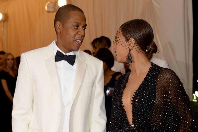 Le facce tese e scure sembrano confermare che l'aria tra Jay-Z e Beyoncé non sia assolutamente buona: separazione in vista?