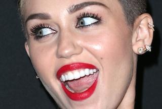Le 12 star che hanno i denti finti (FOTO)