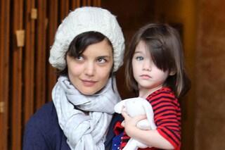 """Katie Holmes terrorizzata per i doni di Natale a Suri: """"Non posso sbagliare"""""""